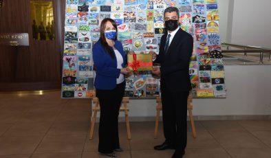Korona virüs sürecinde maskeler sanata dönüştürüldü