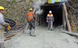 Maden ocağında göçük altında kalan işçi yaralandı