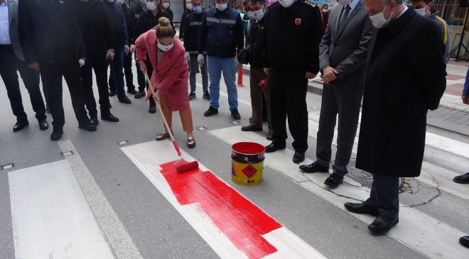 Uşak'ta kırmızı çizgi yaya önceliği