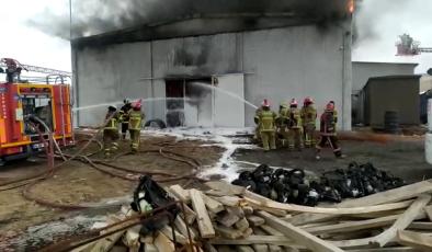 Uşak'ta Tekstil Fabrikasında Korkutan Yangın