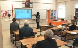 """Kütahya'da 2 bin 893 öğretmen, 10 bin 701 öğrenci ve veliye """"Temel Afet Bilinci"""" eğitimi verildi"""