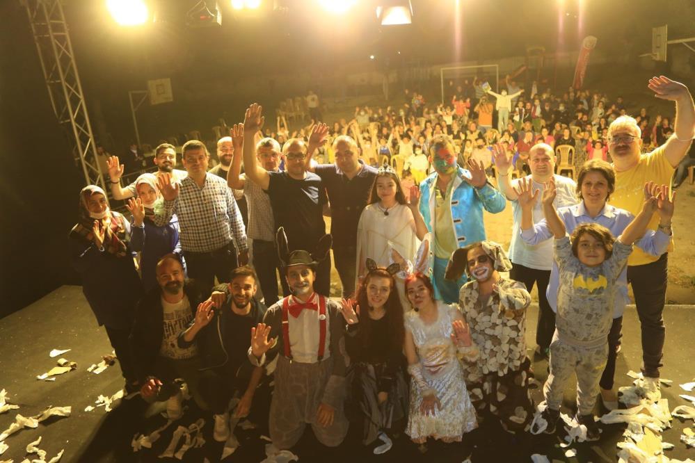 Uşak'ta Gezici Tiyatro son oyununu sahneledi