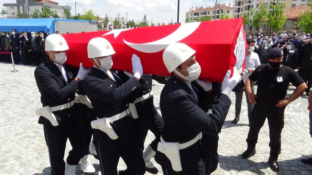 Kütahya'da trafik kazasında şehit olan polis memuru için tören düzenlendi