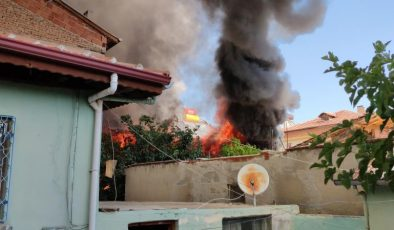 Tinerciler evi ateşe verdi, mahallede faciadan dönüldü