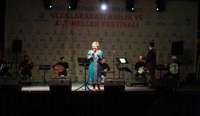 Denizli'de uluslararası festivalde şölen devam ediyor