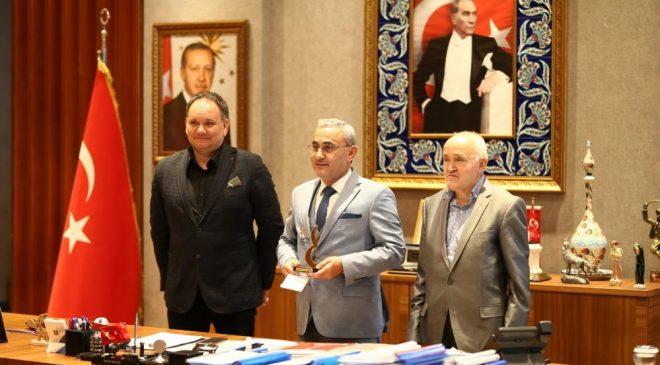 """Kütahya Belediyesi'nin """"Akıllı Kent Kütahya"""" projesine ödül"""