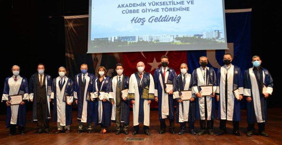 Uşak Üniversitesinde 'Akademik Yükseltilme ve Cübbe Giyme' töreni